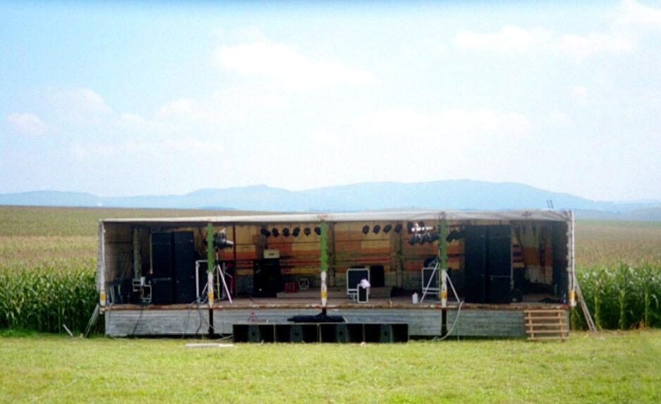Das allererste Querbeat fand 2001 auf dem Berg am »Oberer Rastplatz« von Weizen statt.